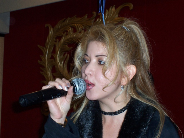 kelly singing 2