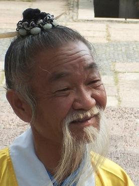 old-dude-long-beard1